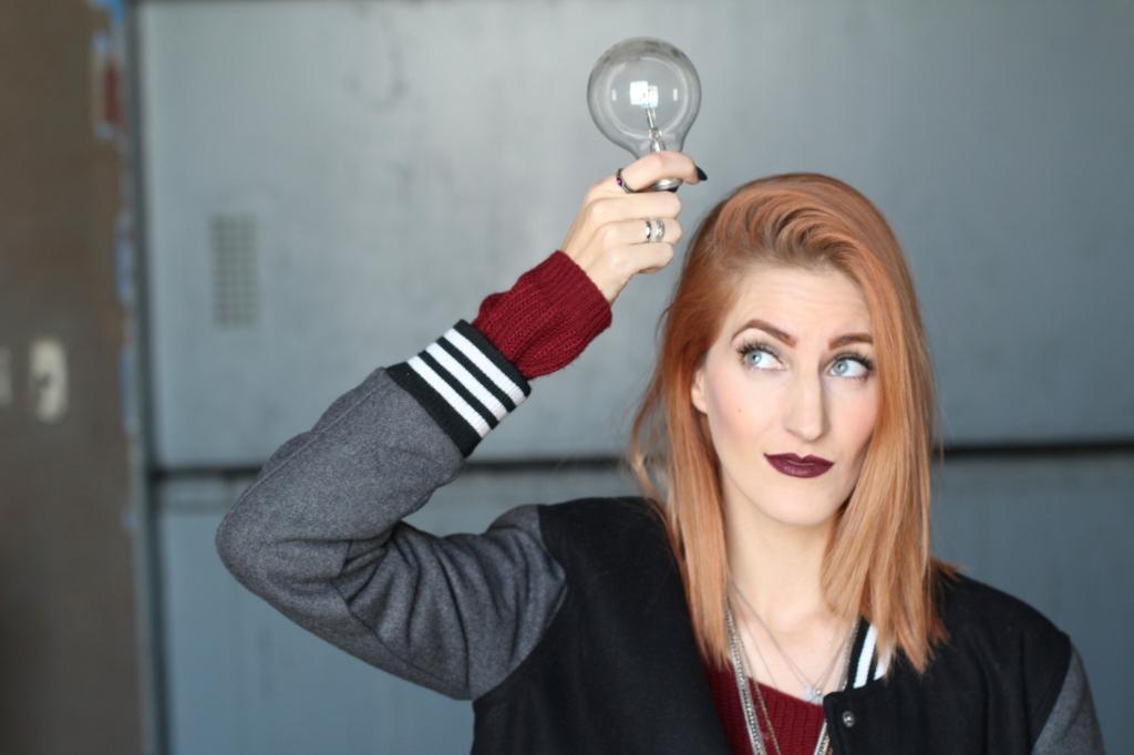 trans girl light bulb